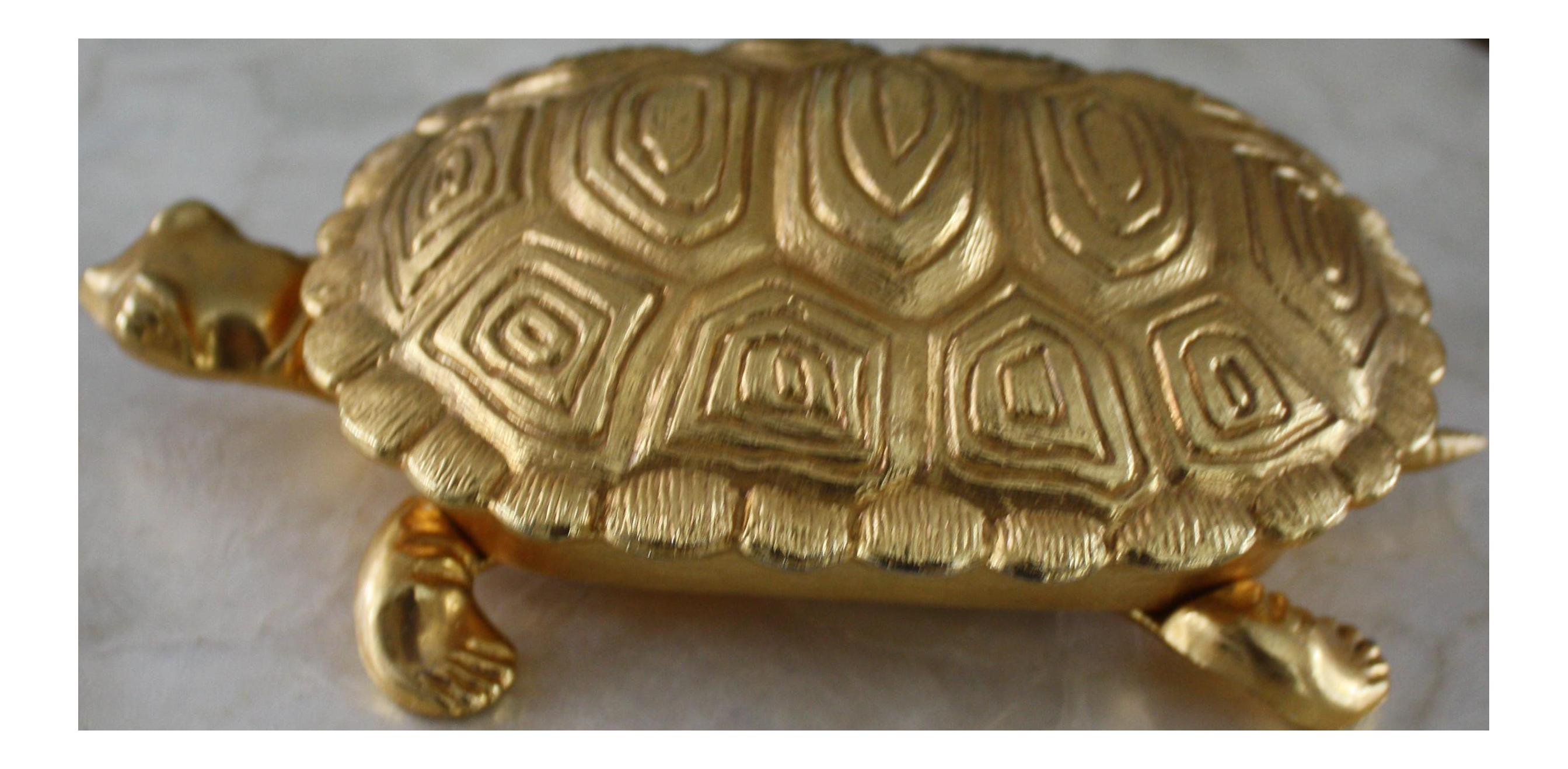 Vintage Gold Metal Turtle Crumber / Table Butler / Crumb Sweeper / Crumb  Brush / Silent Butler