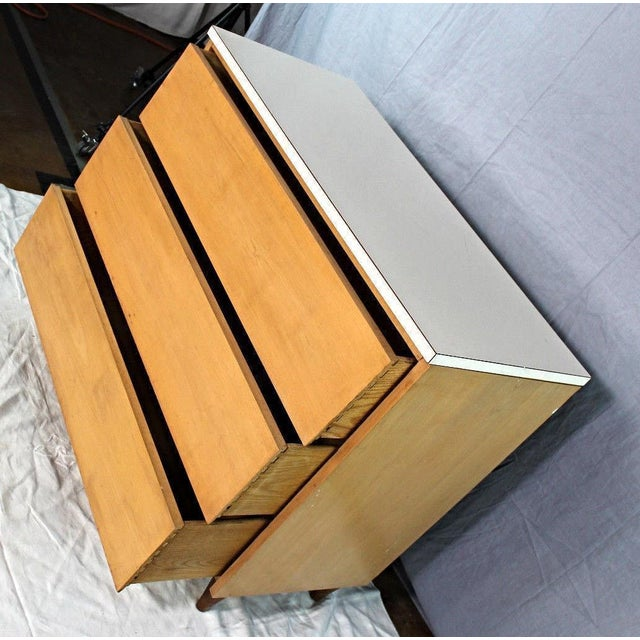 Mid-Century Modern Blond Wood Chest of Drawers - Image 7 of 9