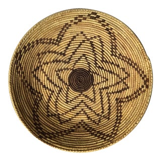 20th Century Vintage Coiled Star Round Basket For Sale