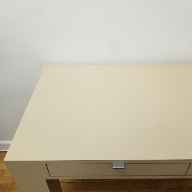 Mid-Century Modern 1970s Mid Century Modern Beige Laminate Parsons Writing Desk For Sale - Image 3 of 8
