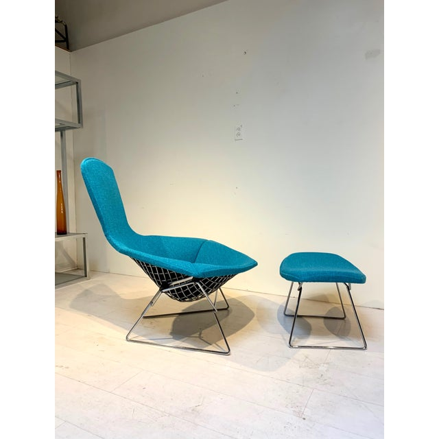 Vintage Mid Century Bird Lounge Chair and Ottoman Harry Bertoia for Knoll 1950s This Mid-Century Modern sculptural metal...