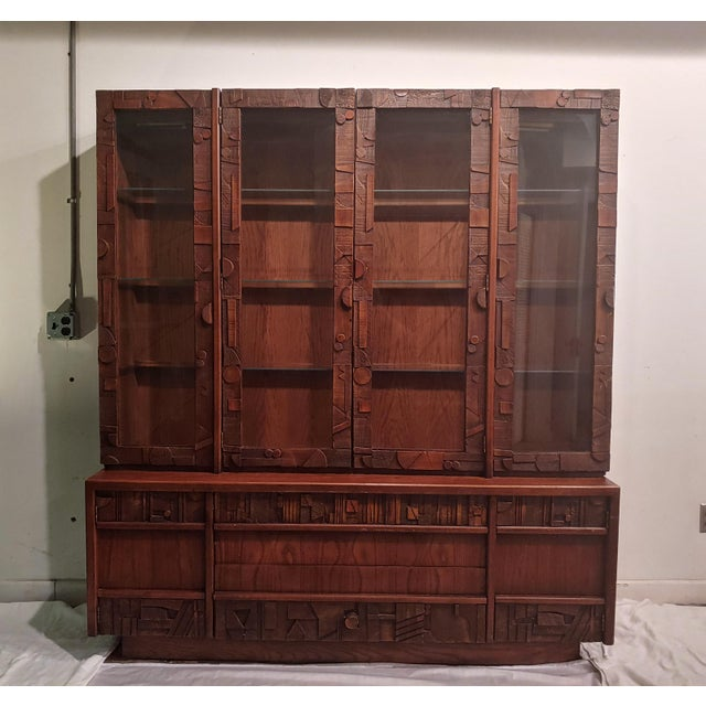 Mid-Century Modern 1960s Corbusier Style Brutalist Display Cabinet For Sale - Image 3 of 3