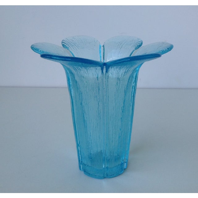 Fenton Mid-Century Blue Tall Glass Petal Vase For Sale - Image 9 of 10