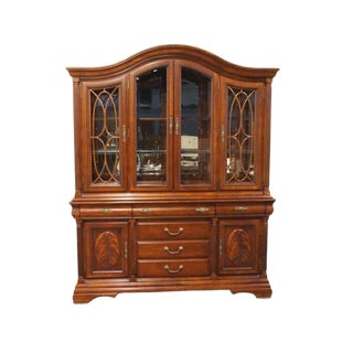 20th Century Traditional Universal Furniture Cherry Legacy Lighted China Cabinet For Sale