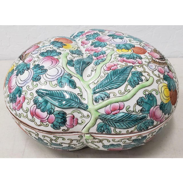 Mid 20th Century Chinese Porcelain Container With Lid For Sale - Image 10 of 10