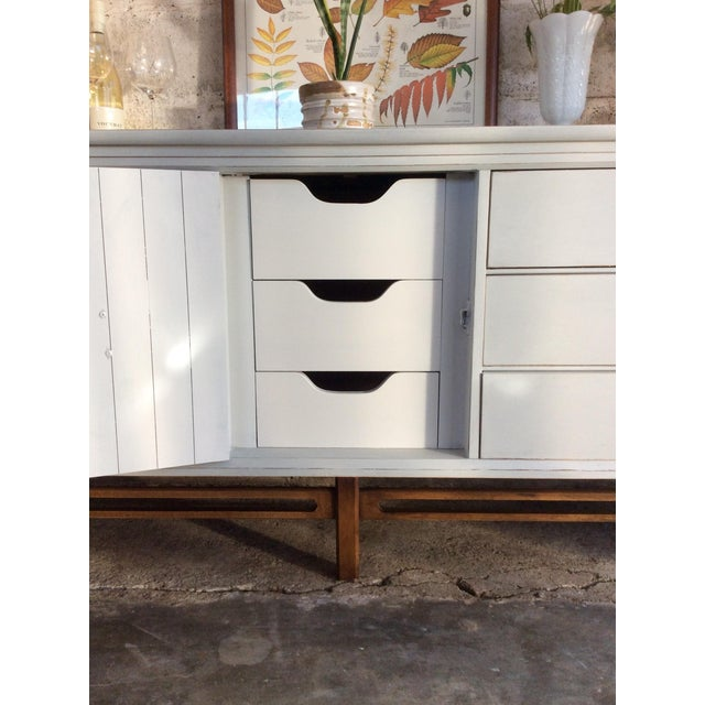 Mid-Century Modern Credenza or Buffet - Image 6 of 9