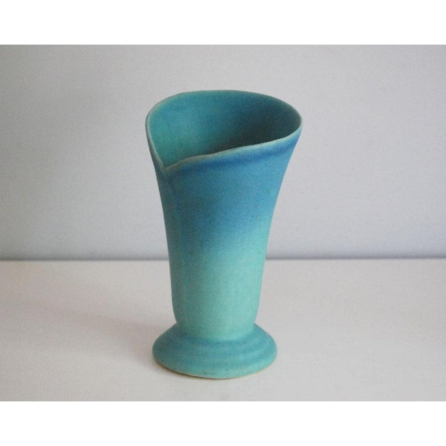 Van Briggle Mid-Century Modern Van Briggle Pottery Turquoise Wrap Vase For Sale - Image 4 of 7