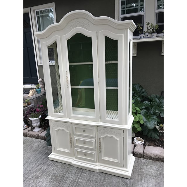 Vintage Stanley French Style China Cabinet - Image 4 of 7