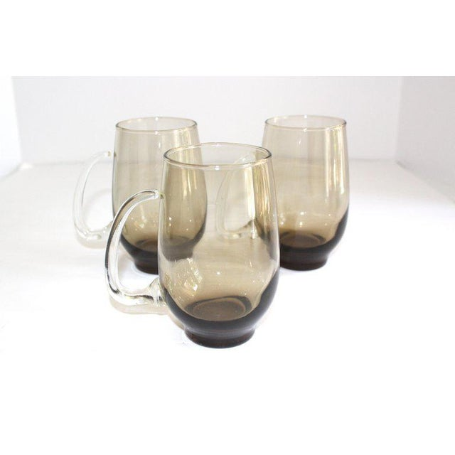 Libbey Glass Co. Set of Six Mid-Century Modern Tinted Glass Mugs by Libbey Glass Co. For Sale - Image 4 of 13