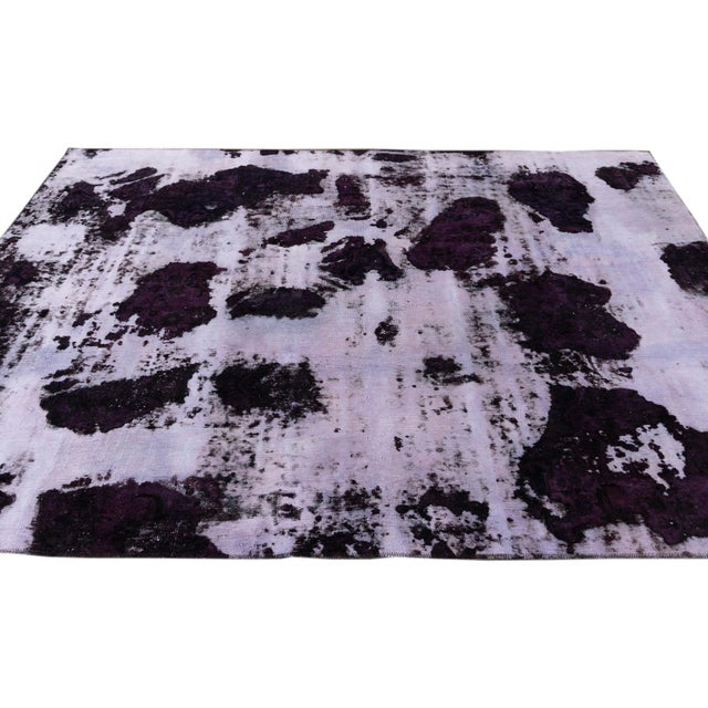 "Textile Vintage Distressed Turkish Rug, 6'3"" X 8'7"" For Sale - Image 7 of 9"
