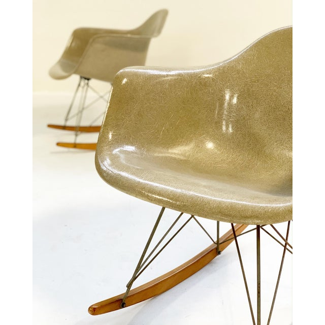 White 1950s Charles and Ray Eames for Herman Miller Rar Rocking Chairs - a Pair For Sale - Image 8 of 9