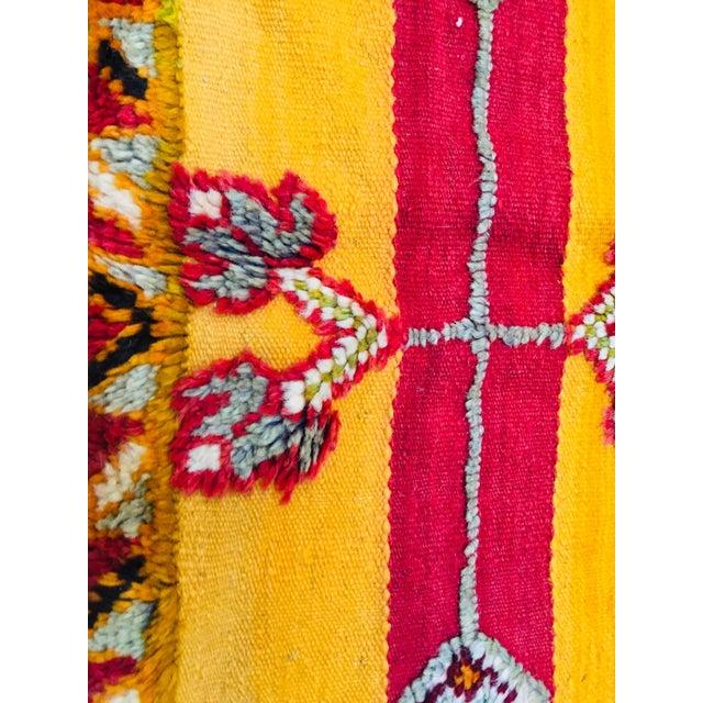 Moroccan Vintage Tribal Rug - 4′9″ × 6′11″ For Sale - Image 10 of 13