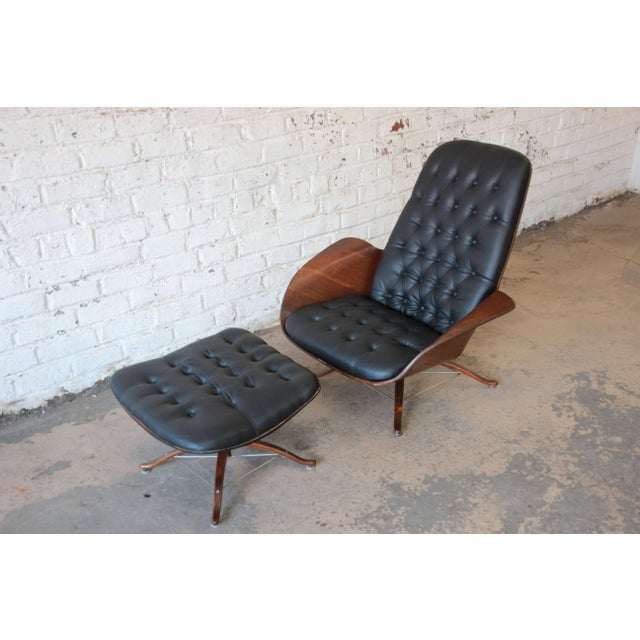 """Mid-Century Modern George Mulhauser for Plycraft """"Mr. Chair"""" and Ottoman For Sale - Image 3 of 10"""