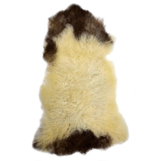 "Unique Handmade Beige Brown Wool Sheepskin Rug, Seat Cushion - 2'7"" X 4'3"" - Image 8 of 8"