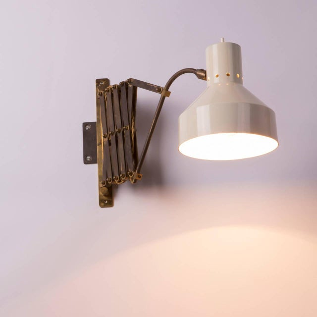 Mid-Century Modern Italian 1950s Expandable Wall Lamp For Sale - Image 3 of 8