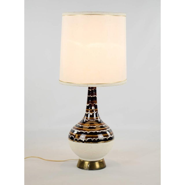 Mid-Century Modern 1970s Mid-Century Modern Ceramic Drip Table Lamp For Sale - Image 3 of 13
