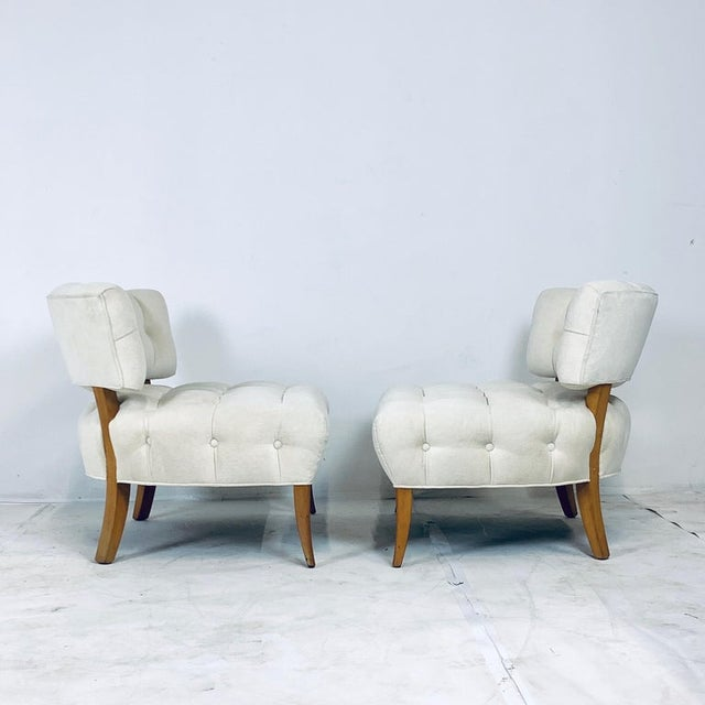 """White Wiliam """"Billy"""" Haines Large Scale Regency Tufted Klismos Lounge Slipper Chairs - a Pair For Sale - Image 8 of 13"""