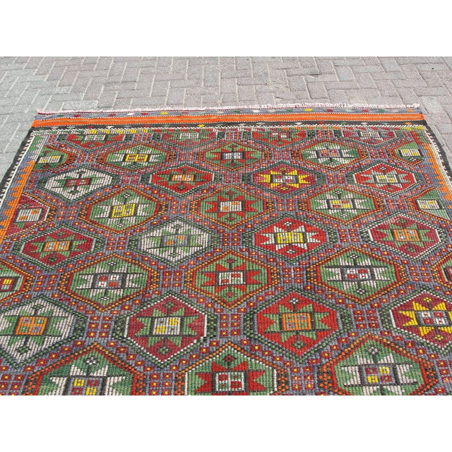 "Vintage Turkish Kilim Rug - 6'9"" x 8'3"" For Sale - Image 9 of 11"