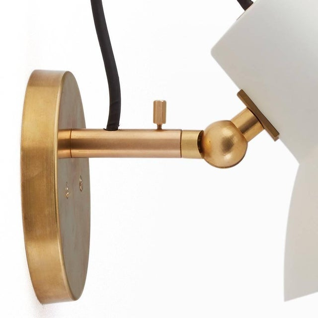 Mid-Century Modern Vittoriano Viganò 'Vv Cinquanta' Sconces in White and Brass - a Pair For Sale - Image 3 of 9