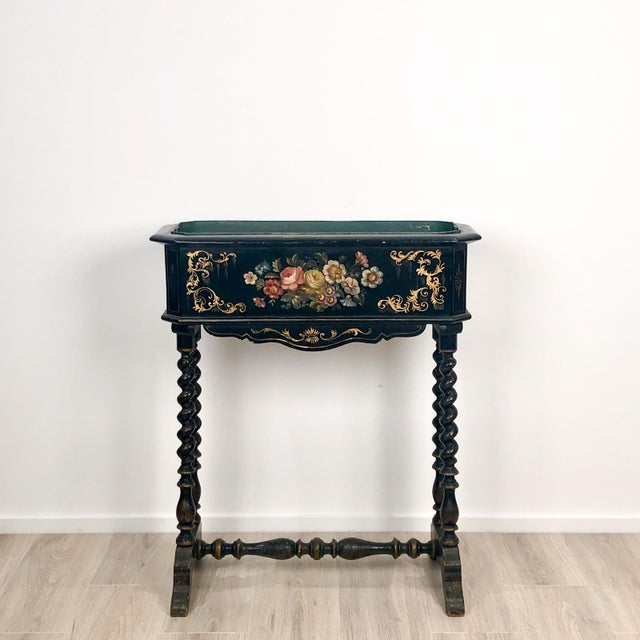 English Traditional 19th Century Lacquer and Painted Planter, Circa 1890 For Sale - Image 3 of 6