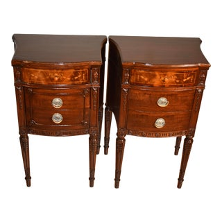 1900s Antique English Sheraton Mahogany Inlaid Pair Nightstands / Bedside Tables - a Pair For Sale