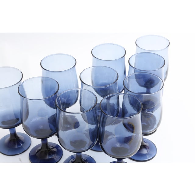Mid Century Blue Stemmed Wine Glasses - Set of 10 - Image 4 of 5