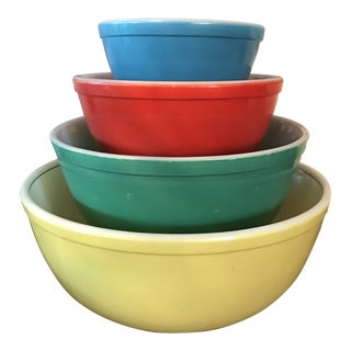 1950's Pyrex Primary Colors Mixing Bowls - Set of 4 For Sale