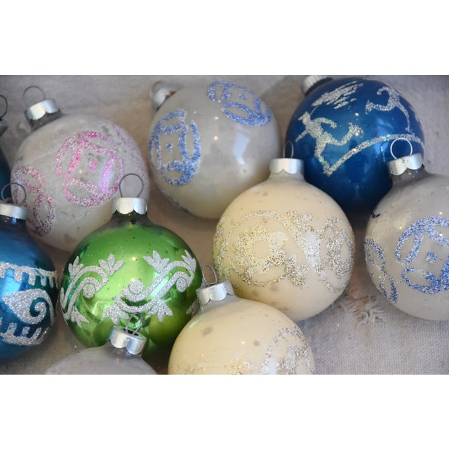 Vintage Colorful Christmas Ornaments W/Box - Set of 10 For Sale In Los Angeles - Image 6 of 10