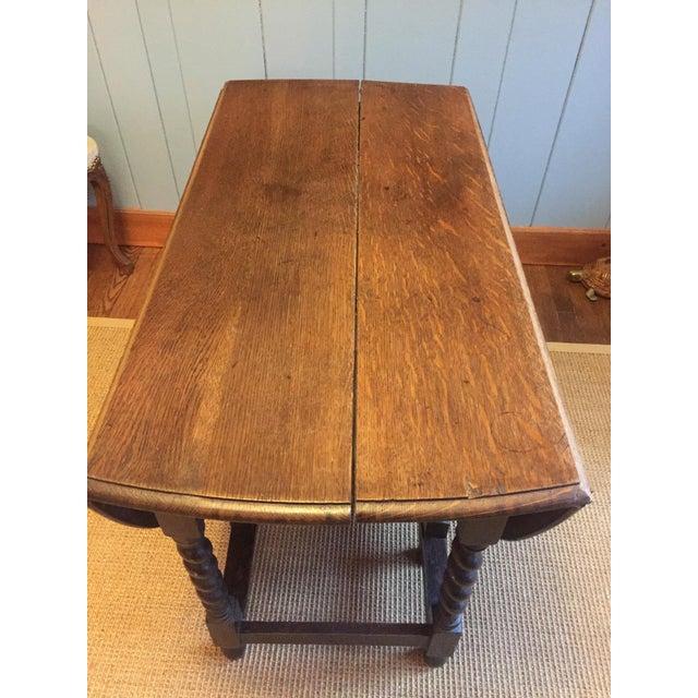 Barley Twist Leg, Drop Leaf Oval Dark Oak Dining Table For Sale In Greenville, SC - Image 6 of 13