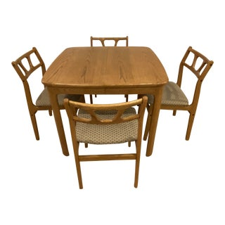 Mid-Century Modern Dining or Game Table and 4 Upholstered Chairs - 5 Pieces For Sale