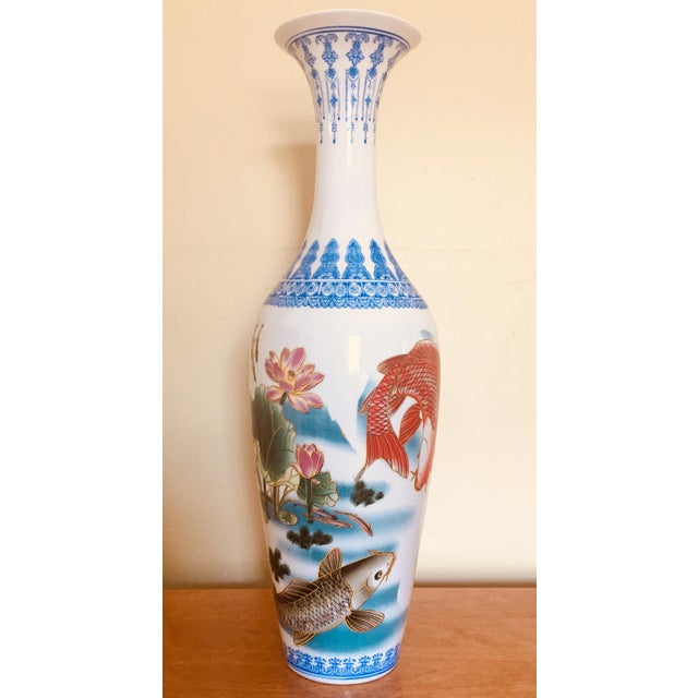 Antique Chinese Porcelain Fishes And Lotus Flower Painted Vase