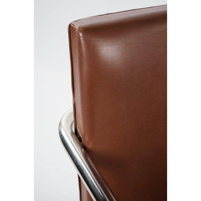 Knoll International 1960s Mid-Century Modern Brno Knoll International Tubular Chrome and Naugahyde Arm Chair For Sale - Image 4 of 13