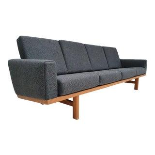Danish Design, H.J.Wegner Sofa, Model Ge236, Reupholstered, Oak Wood, Wool Fabric, 70s For Sale