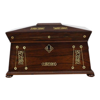 19th Century Traditional Rosewood Tea Caddy For Sale
