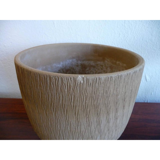Gainey Mid Century Modern Sgraffito Planter For Sale In Los Angeles - Image 6 of 6