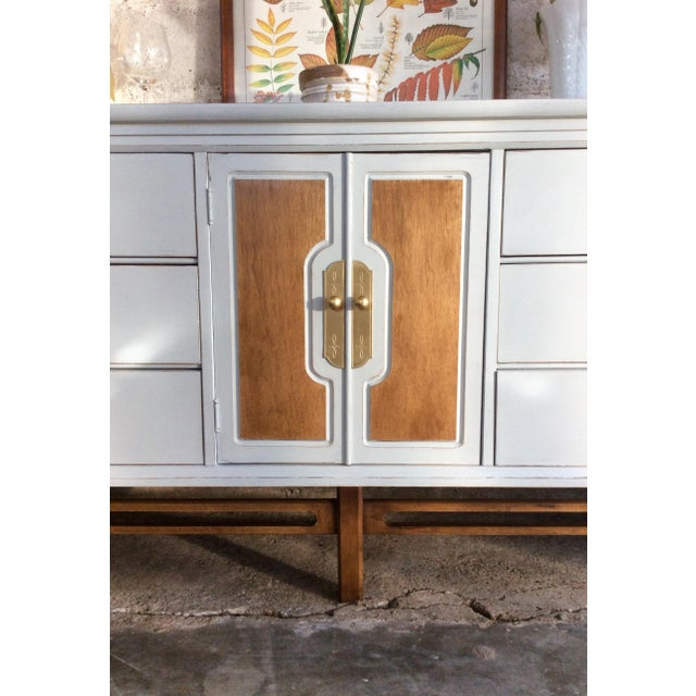 Mid-Century Modern Credenza or Buffet - Image 5 of 9