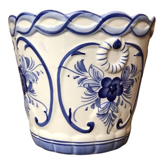 Late 20th Century Vintage Italian White and Blue Ceramic Planter For Sale