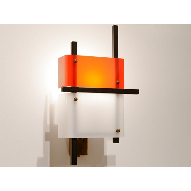 1950s Stilnovo - Pair of Wall Lights in Plexiglass and Lacquered Steel, Circa 1950 For Sale - Image 5 of 8