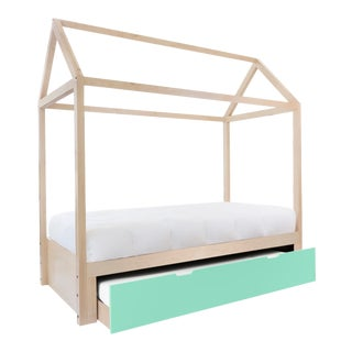 Domo Zen Twin Trundle Canopy Bed in Maple With Mint Finish For Sale