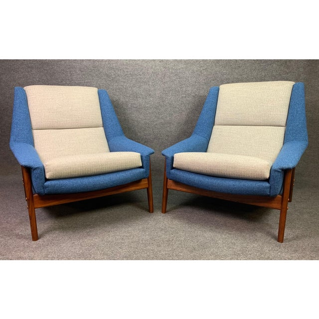 "DUX Pair of Vintage Scandinavian Modern Teak ""Profil"" Lounge Chairs by Folke Ohlsson for Dux of Sweden. For Sale - Image 4 of 11"