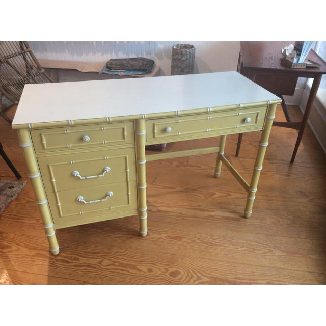 Great looking vintage faux bamboo desk manufactured by Thomasville c. 1960s. -Original hardware -Original finish...
