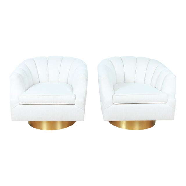 Milo Baughman Attributed Pair of Swivel Chairs For Sale