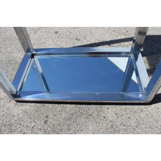 Metal 1970s Chrome Mirrored Display Case Stand For Sale - Image 7 of 13