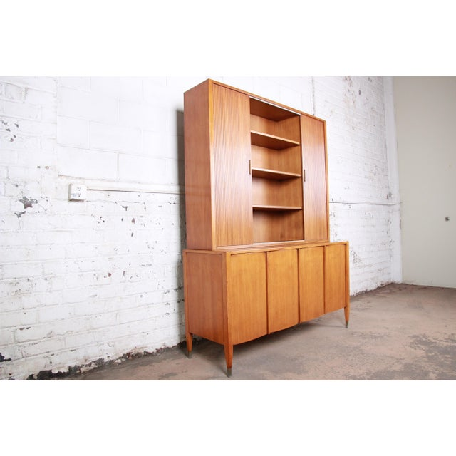 Wood Sligh Mid-Century Modern Walnut Sideboard Credenza With Bookcase Hutch For Sale - Image 7 of 12
