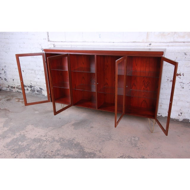 1970s Skovby Danish Modern Rosewood Glass Front Bookcase on Hairpin Legs For Sale - Image 5 of 12