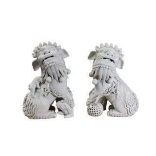 Pair Chinese Vintage Off White Porcelain Fengshui Foo Dogs For Sale