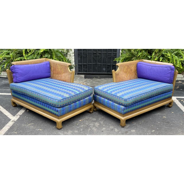 Grosfeld House Hollywood Regency Mid Century Modern Chinese Chippendale 2 Part Sofa For Sale In Los Angeles - Image 6 of 6