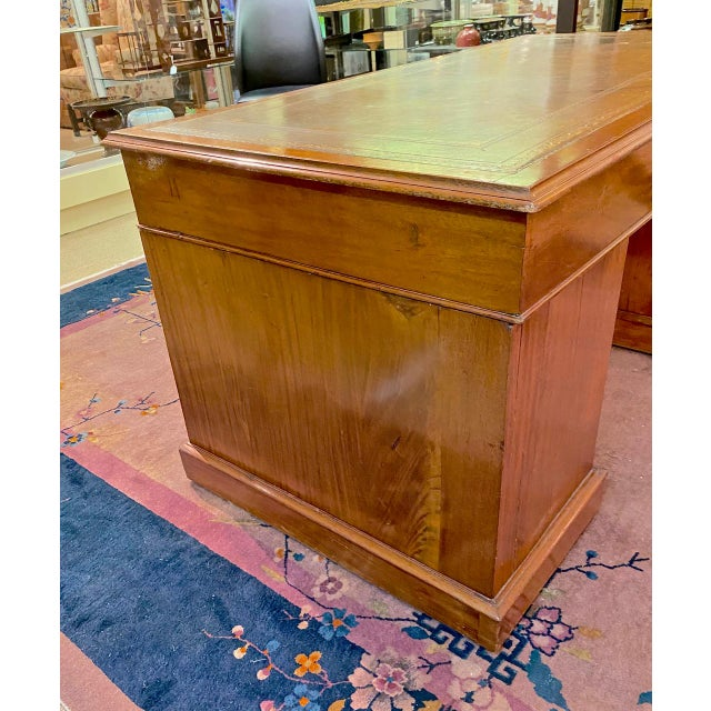 English English 19th Century Pedestal Desk For Sale - Image 3 of 12
