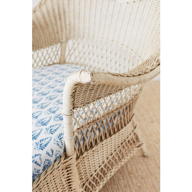 Early 20th Century Vintage Painted Bar Harbor Willow and Wicker Chaise Lounge For Sale In San Francisco - Image 6 of 13
