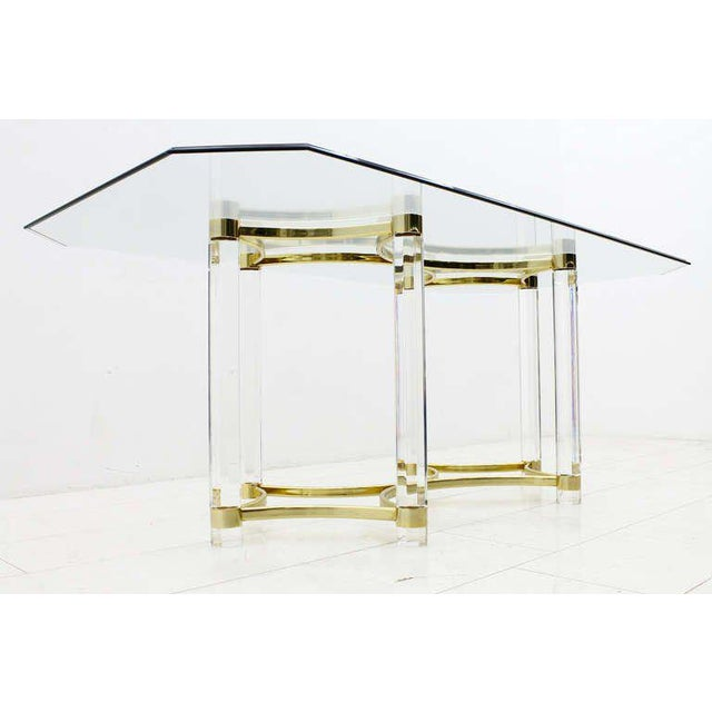Mid-Century Modern Lucite, Glass and Brass Dining Table, Romeo Paris, 1980s For Sale - Image 3 of 12